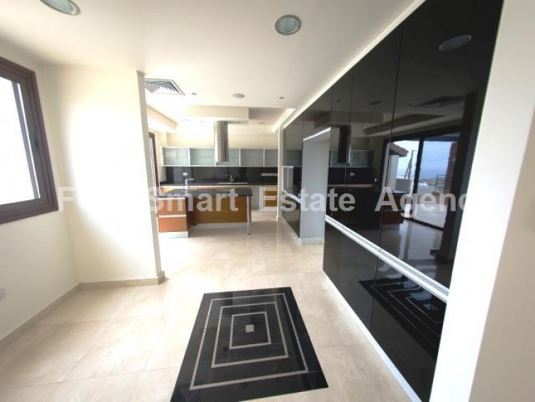 For Sale 6 Bedroom Detached House in Agios tychon, Limassol 17