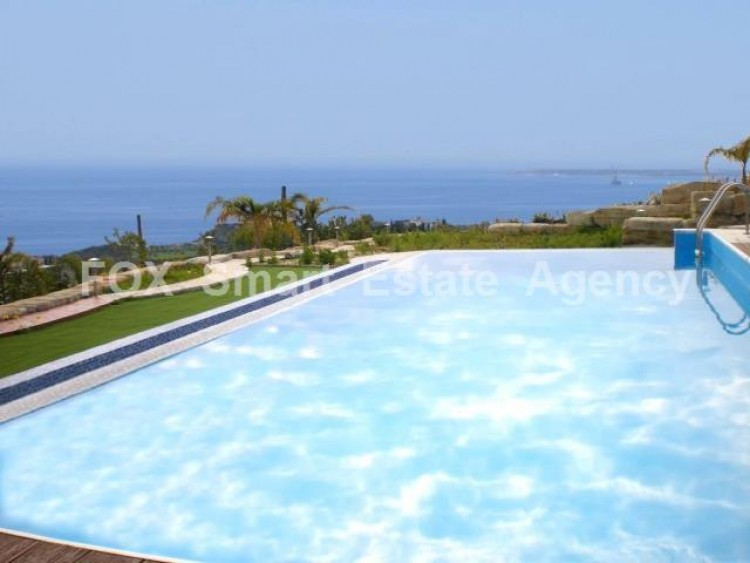 For Sale 6 Bedroom Detached House in Agios tychon, Limassol 5