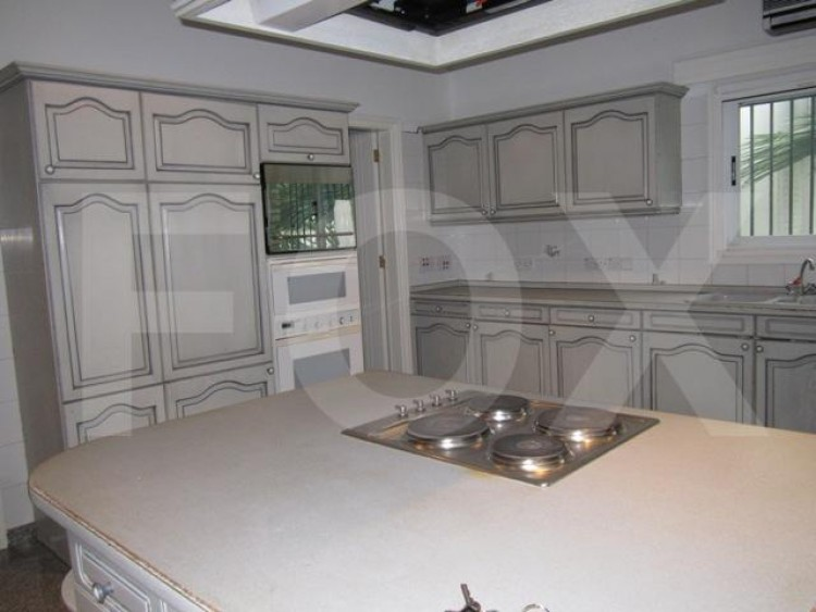 For Sale 6 Bedroom Detached House in Dasoupolis, Dasoupoli, Nicosia 5