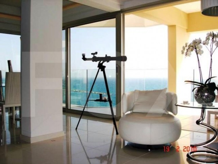 For Sale 2 Bedroom Apartment in Agios tychon, Limassol 6