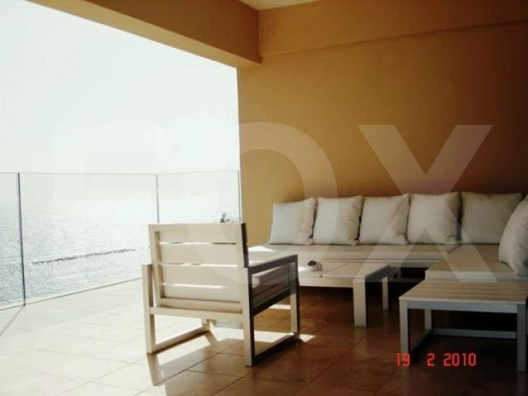 For Sale 2 Bedroom Apartment in Agios tychon, Limassol 9