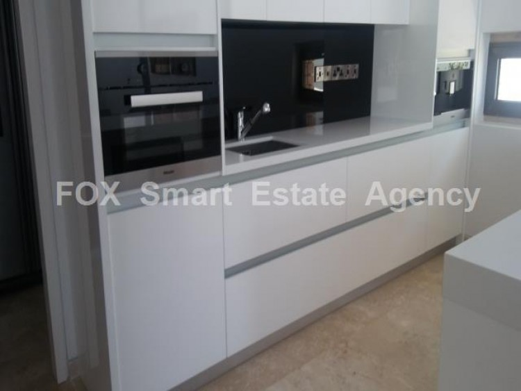 For Sale 4 Bedroom Detached House in Peyia, Pegeia, Paphos 23