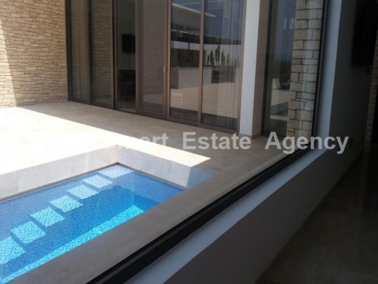 For Sale 4 Bedroom Detached House in Peyia, Pegeia, Paphos 29