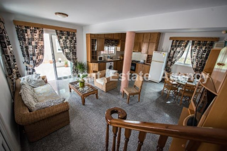 To Rent 4 Bedroom Detached House in Oroklini, Larnaca 2