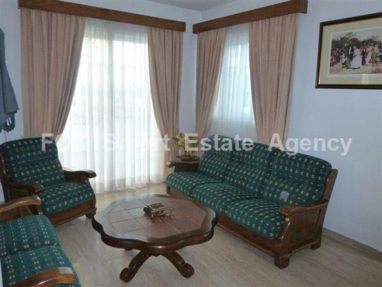 To Rent 4 Bedroom Detached House in Oroklini, Voroklini (oroklini), Larnaca 2