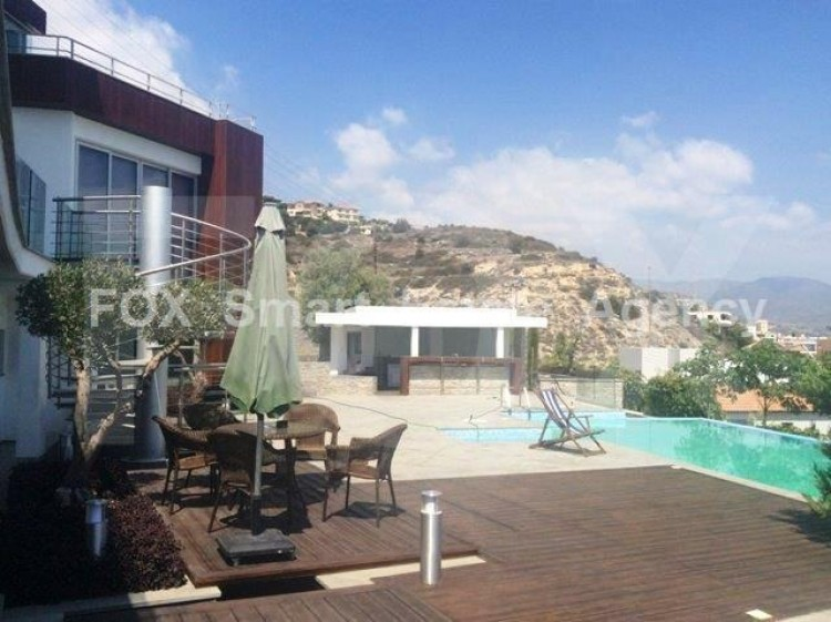 For Sale 6 Bedroom Detached House in Germasogeia, Limassol