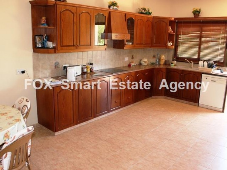 To Rent 4 Bedroom Detached House in Moni, Limassol 13