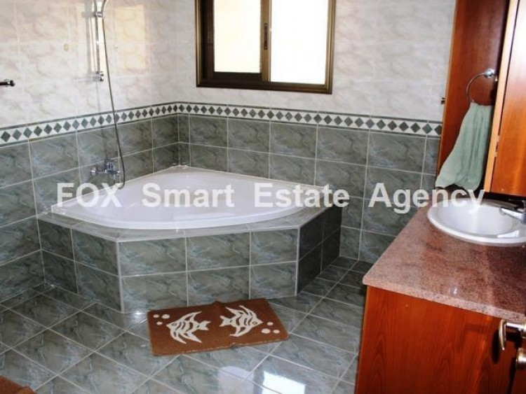 To Rent 4 Bedroom Detached House in Moni, Limassol 22