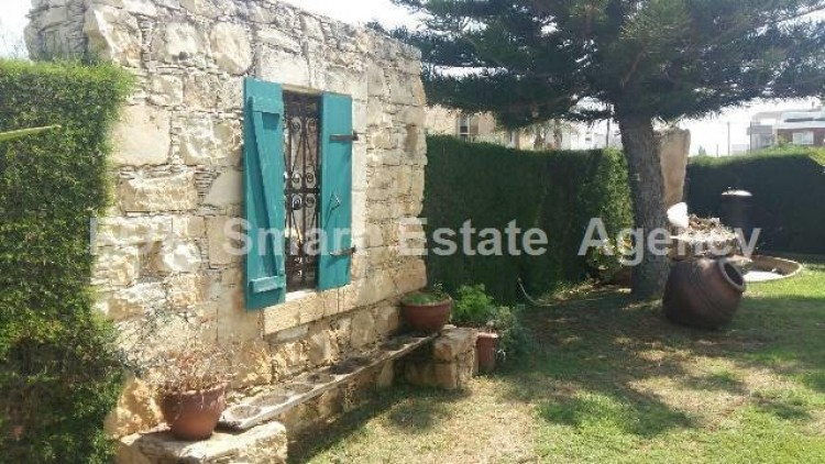 To Rent 5 Bedroom Detached House in Agios sillas, Limassol 10