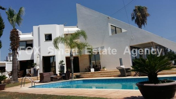 To Rent 5 Bedroom Detached House in Agios sillas, Limassol 4