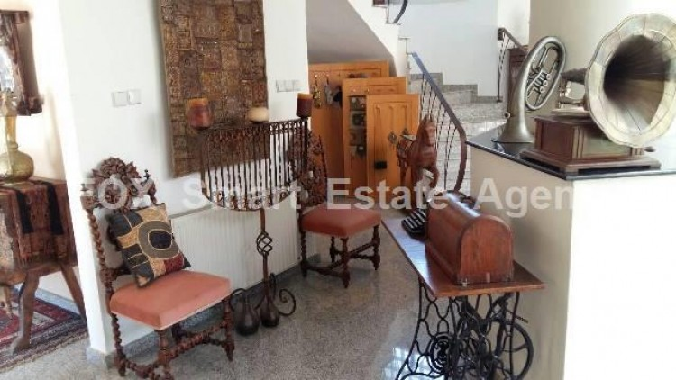 To Rent 5 Bedroom Detached House in Agios sillas, Limassol 9