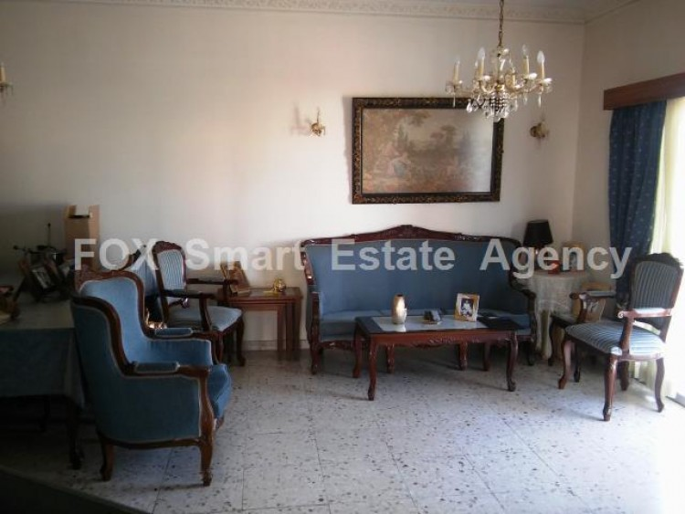 For Sale 3 Bedroom Upper floor (2-floor building) House in Drosia, Larnaca