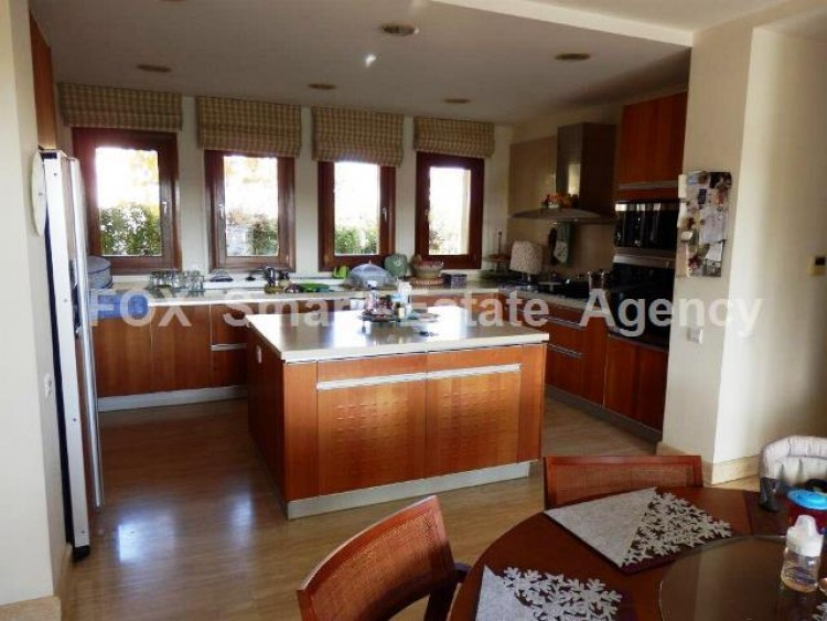 For Sale 4 Bedroom Detached House in Lakatameia, Nicosia 14