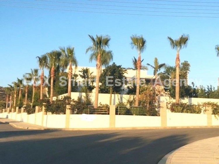 For Sale 6 Bedroom Detached House in Mouttagiaka, Limassol 2
