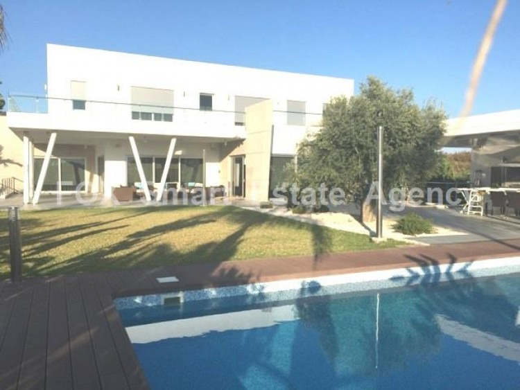 For Sale 6 Bedroom Detached House in Mouttagiaka, Limassol 4
