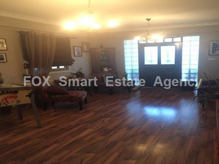 To Rent 4 Bedroom Semi-detached House in Anglisides, Larnaca 3