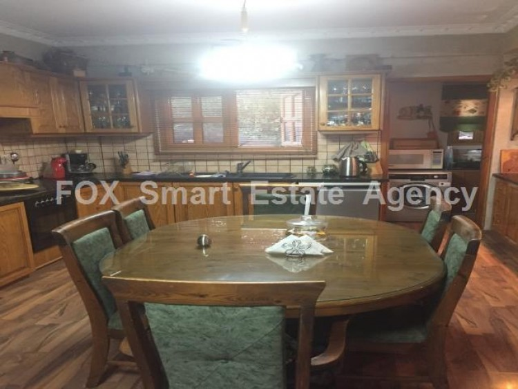 To Rent 4 Bedroom Semi-detached House in Anglisides, Larnaca 5
