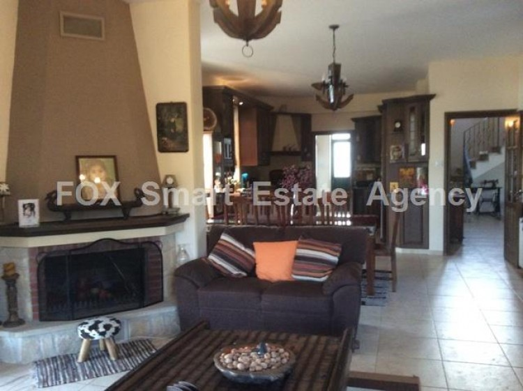 To Rent 4 Bedroom Detached House in Apesia, Limassol 11