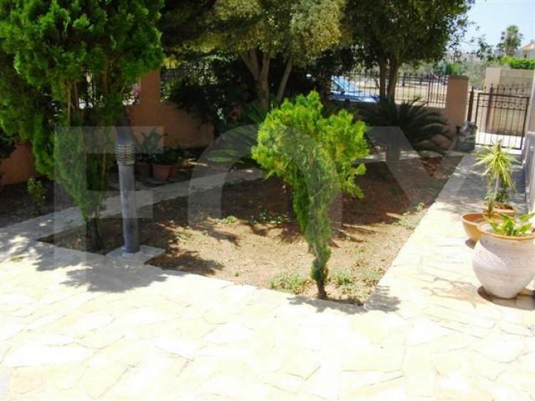 To Rent 4 Bedroom Detached House in Latsia, Nicosia 9