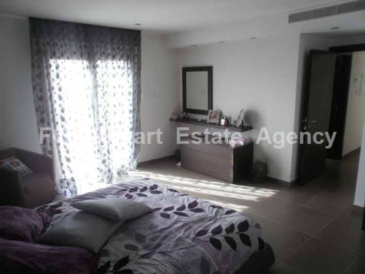 To Rent 4 Bedroom Detached House in Lakatameia, Nicosia 16