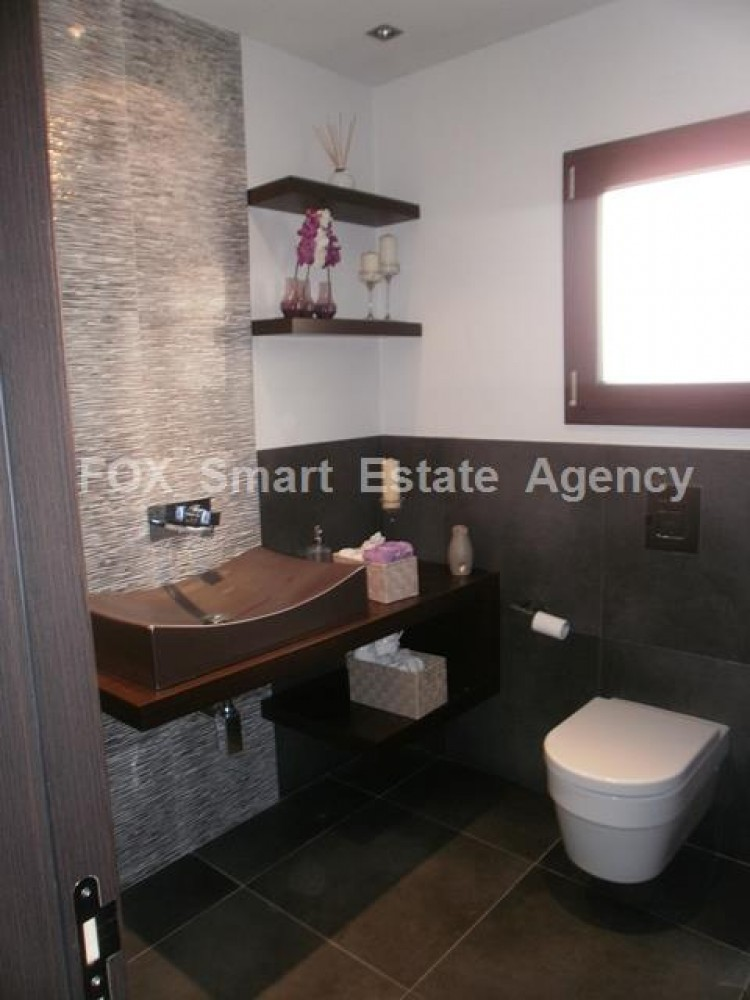 To Rent 4 Bedroom Detached House in Lakatameia, Nicosia 18