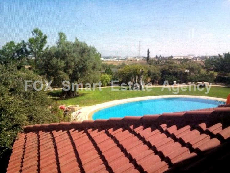 Country style wooden villa with swimming pool Opposite Carlsberg area 16