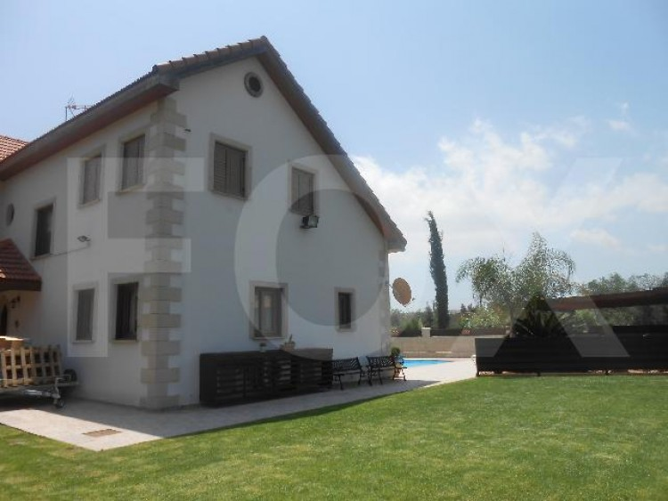 To Rent 4 Bedroom Detached House in Alampra, Nicosia 3