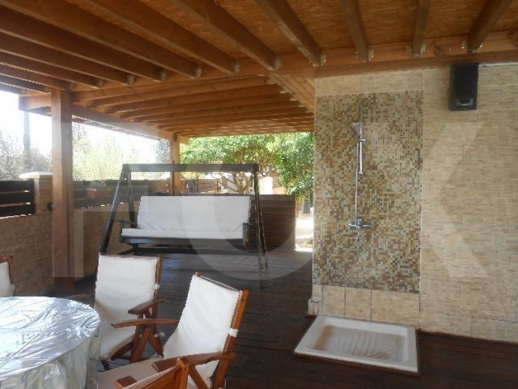 To Rent 4 Bedroom Detached House in Alampra, Nicosia 6