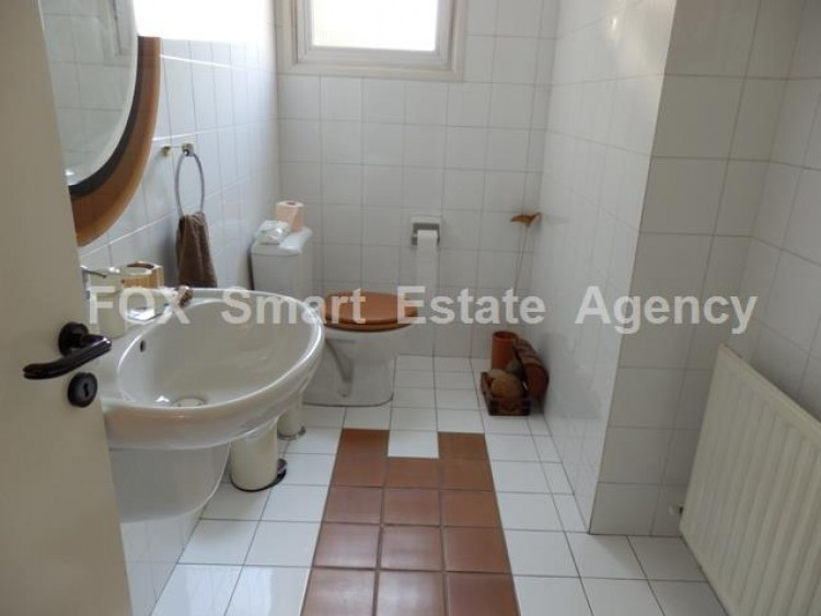 To Rent 3 Bedroom Detached House in Makedonitissa, Nicosia 8