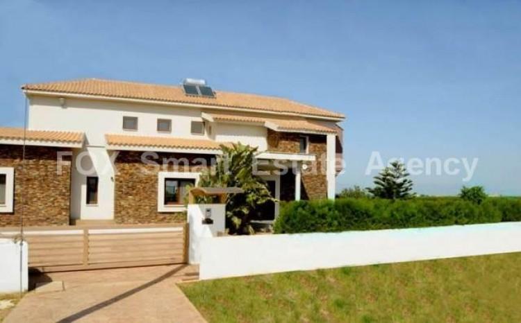 For Rent Luxury 5 Bedroom Detached House in Agioi Trimithias, Nicosia 3