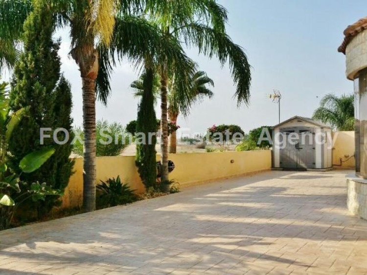 To Rent 5 Bedroom Detached House in Nicosia suburbs, Nicosia 9