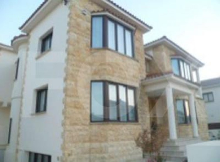 To Rent 4 Bedroom Detached House in Kato deftera, Nicosia 2