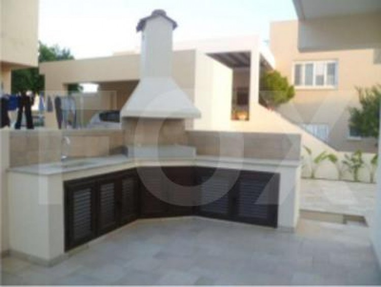 To Rent 4 Bedroom Detached House in Kato deftera, Nicosia 6