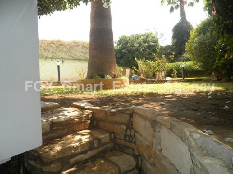 To Rent 5 Bedroom Detached House in Makedonitissa, Nicosia 32