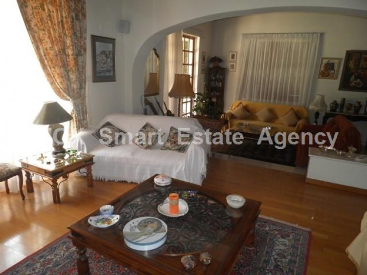 To Rent 5 Bedroom Detached House in Makedonitissa, Nicosia 9
