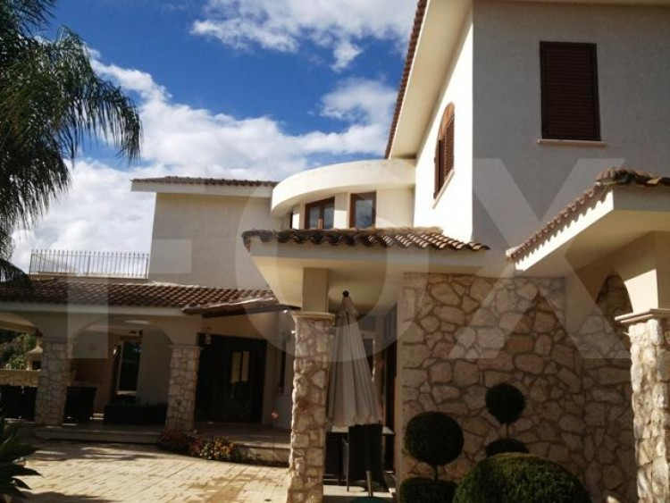 To Rent 4 Bedroom Detached House in Strovolos, Nicosia 8