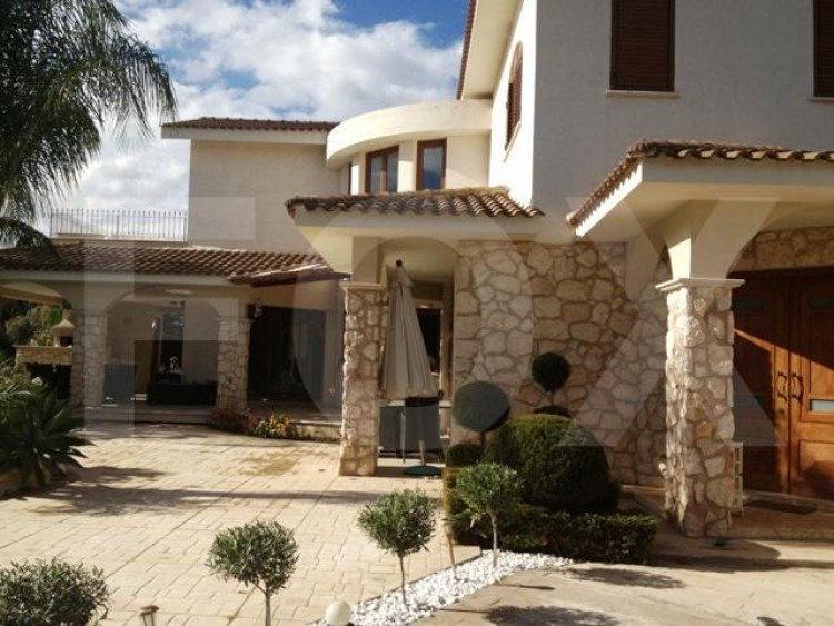 To Rent 4 Bedroom Detached House in Strovolos, Nicosia 9