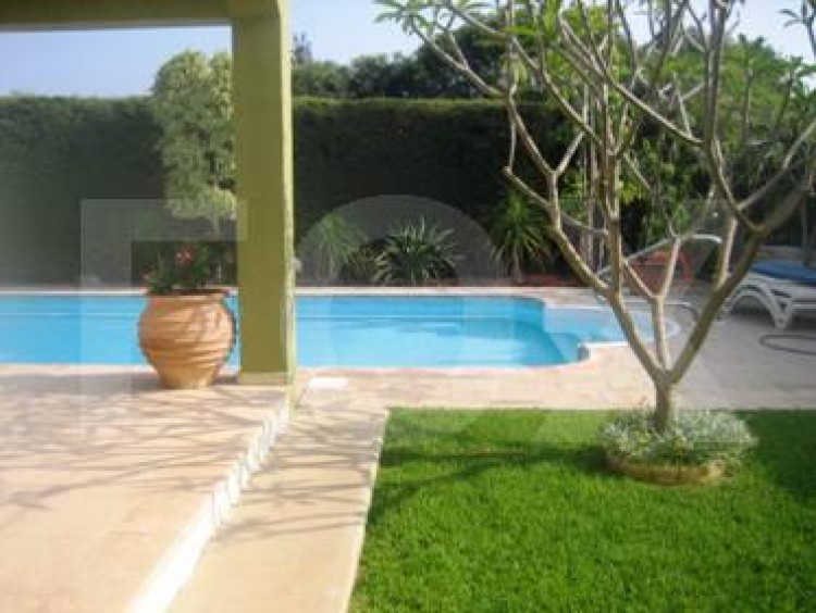 To Rent 3 Bedroom Detached House in Amathounta, Limassol 4