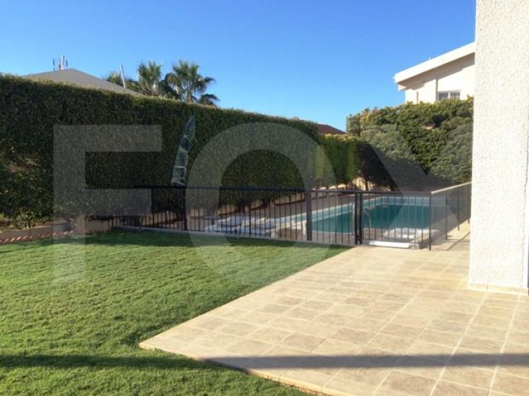To Rent 6 Bedroom Detached House in Agia filaxi, Limassol, Limassol