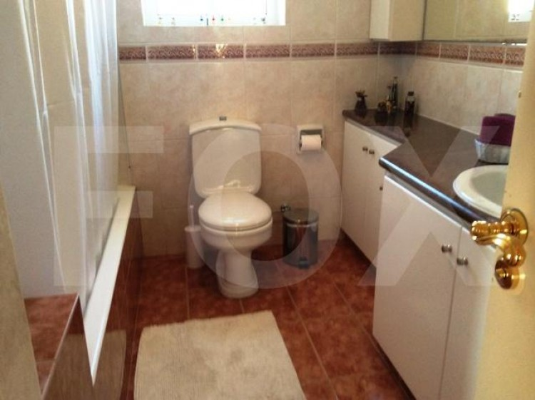 To Rent 6 Bedroom Detached House in Agia filaxi, Limassol, Limassol 29