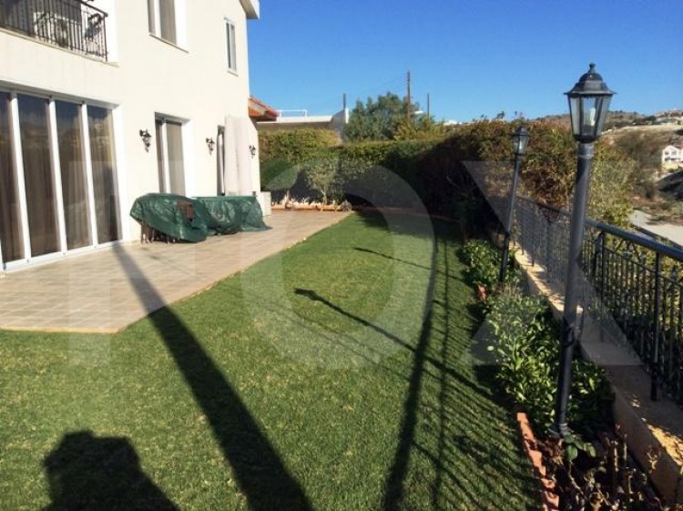To Rent 6 Bedroom Detached House in Agia filaxi, Limassol, Limassol 31