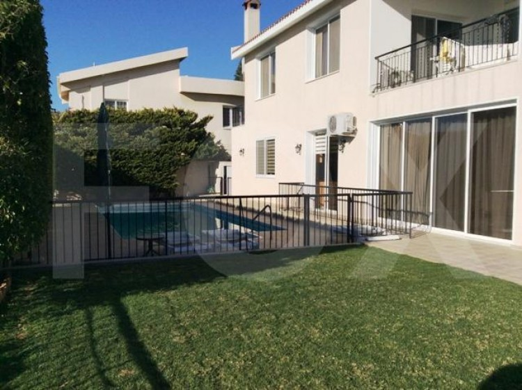 To Rent 6 Bedroom Detached House in Agia filaxi, Limassol, Limassol 32