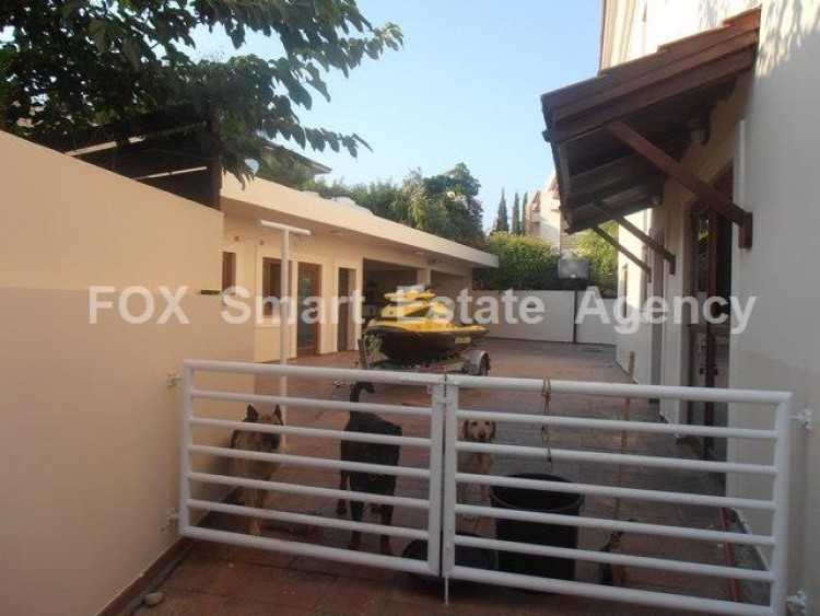 To Rent 5 Bedroom Detached House in Agios athanasios, Limassol 8