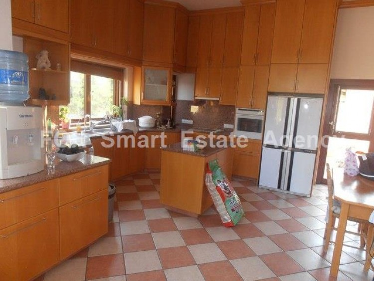 To Rent 5 Bedroom Detached House in Agios athanasios, Limassol 9