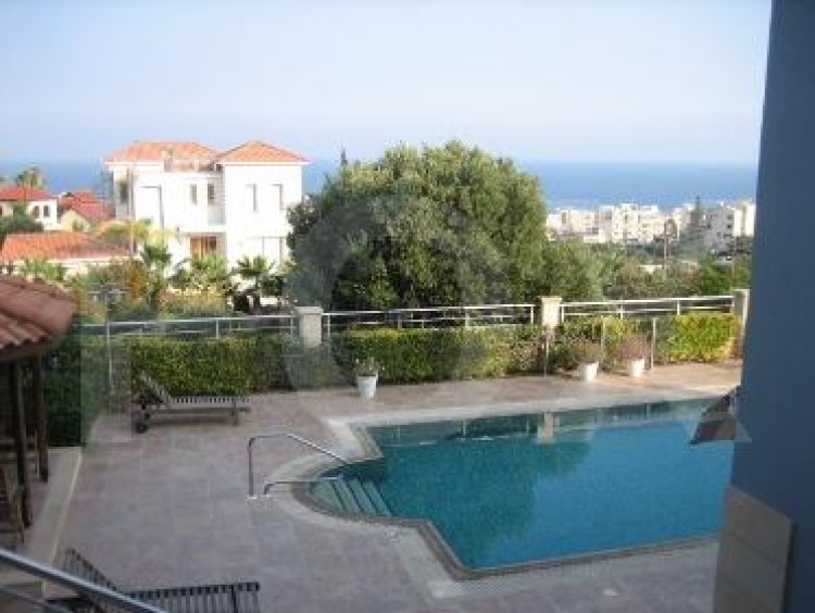 To Rent 5 Bedroom Detached House in Agios tychon, Limassol