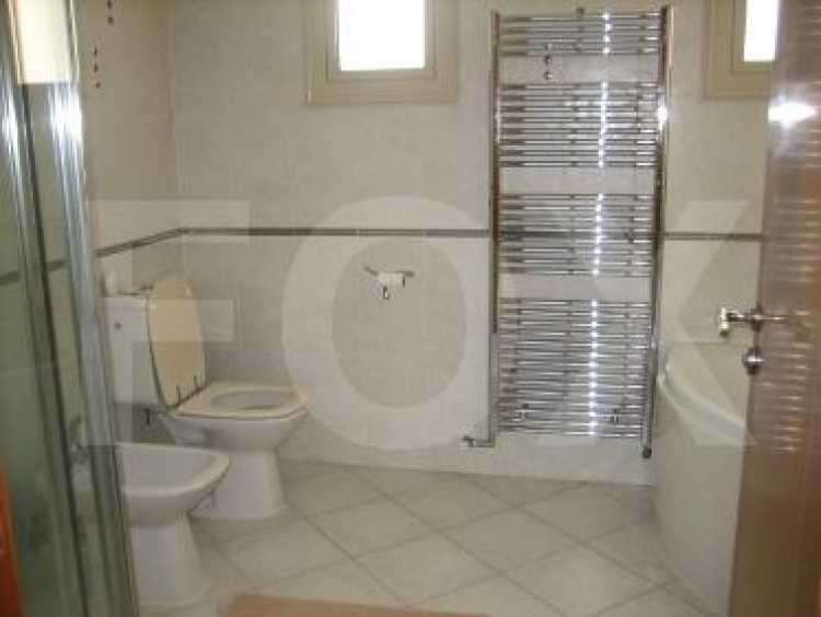 To Rent 5 Bedroom Detached House in Agios tychon, Limassol 35