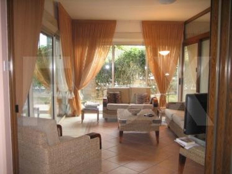 To Rent 5 Bedroom Detached House in Agios tychon, Limassol 7