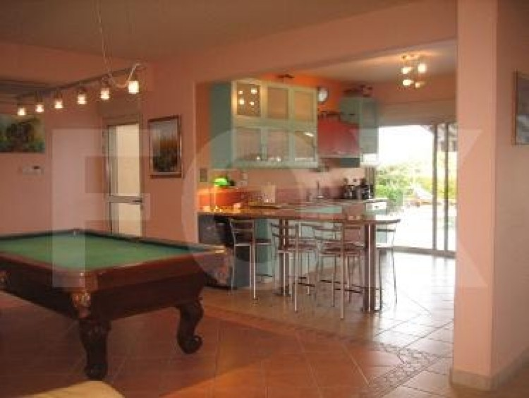 To Rent 5 Bedroom Detached House in Agios tychon, Limassol 9