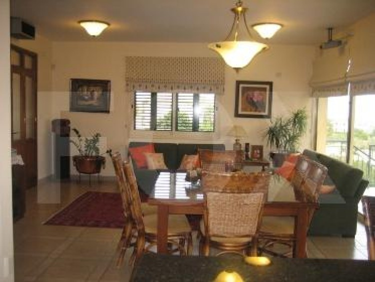To Rent 5 Bedroom Detached House in Agios athanasios, Limassol 18