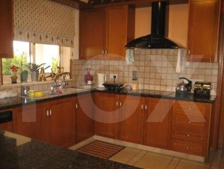 To Rent 5 Bedroom Detached House in Agios athanasios, Limassol 22
